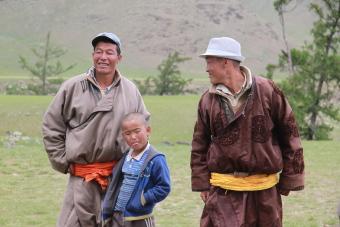 5825db2e271 Traditional clothes of Mongolia - del (deel)
